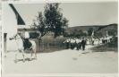 Fahnenweihe Burschenverein am  7. Juli 1957; 1. Vorstand war Johann Greschl, Gingkofen. Der Schimmel wurde von Walter Greschl geritten.